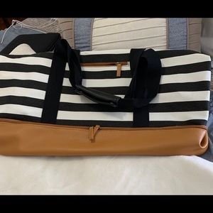 Zippered striped  weekender tote